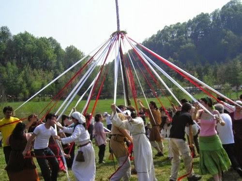 gioco cerimoniale primo maggio